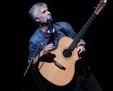 Laurence Juber at Canyon Crest Academy; www.sjfcommunications.com 2014