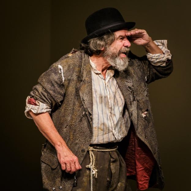 Joe Powers as Estragon/Gogo